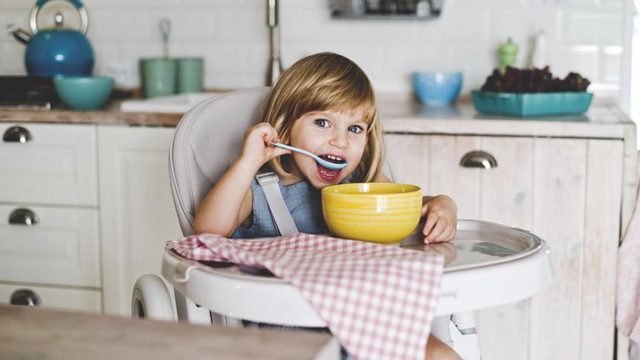 Stolik i krzesełko dla dziecka do karmienia 2w1