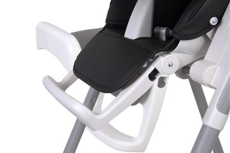 Krzesełko do karmienia z regulowanym podnóżkiem
